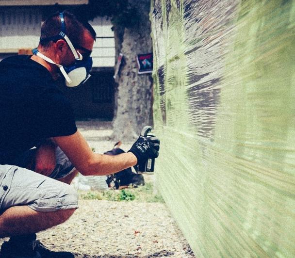 Performance avec Lowick MNR, artiste Street Art